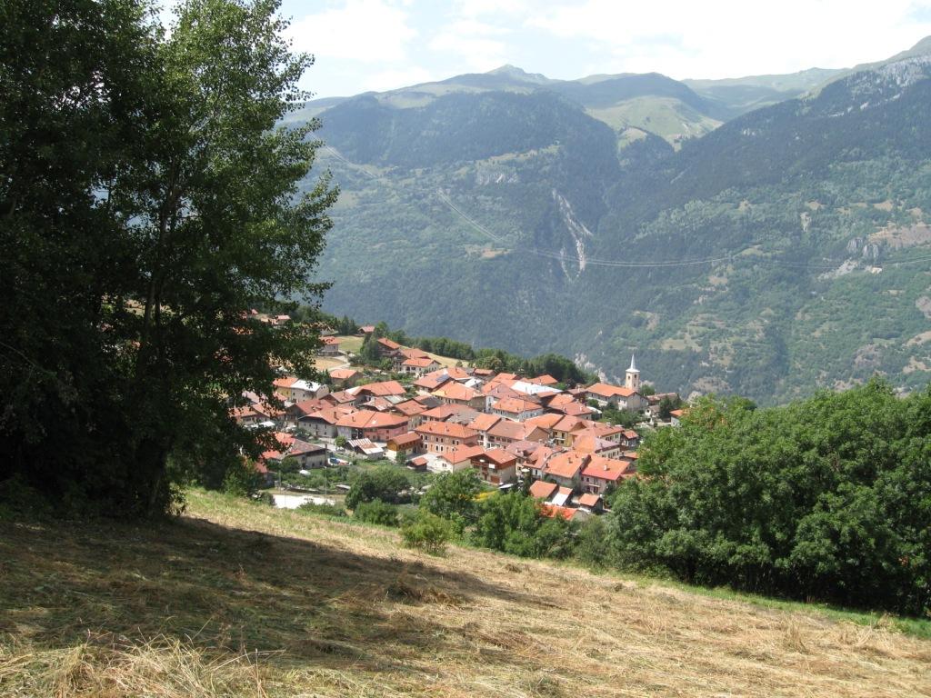 le village de Longefoy